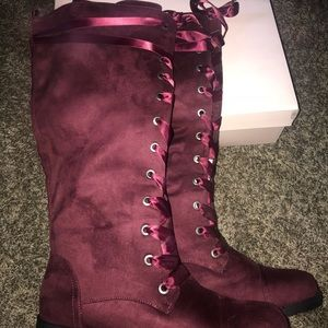 Women's flat knee high boots size 11, maroon, new